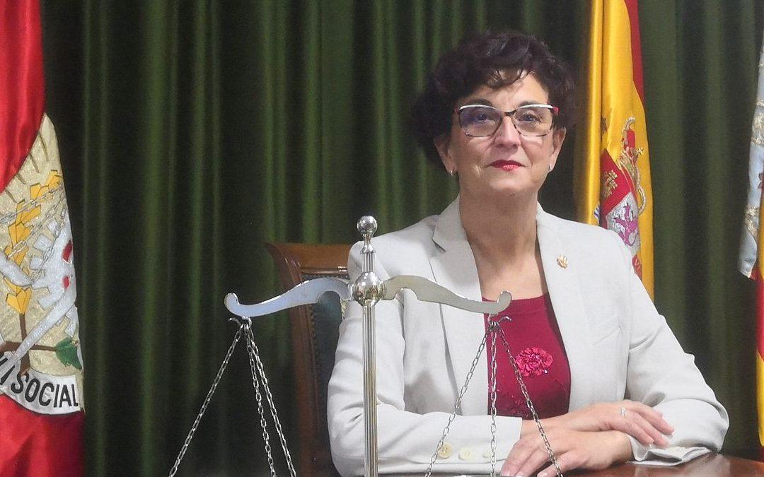 Entrevista en el diario Información